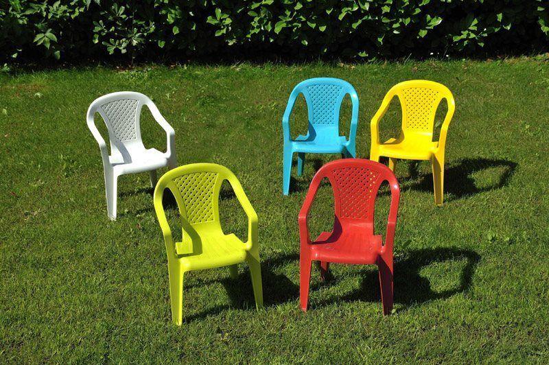 ipae progarden 46205 Sedia Da Esterni Per Bambini In Plastica Cm 36,5x40x52 H Sedia Da Giardino Con Braccioli Impilabile Colore Blu - 46205 Baby