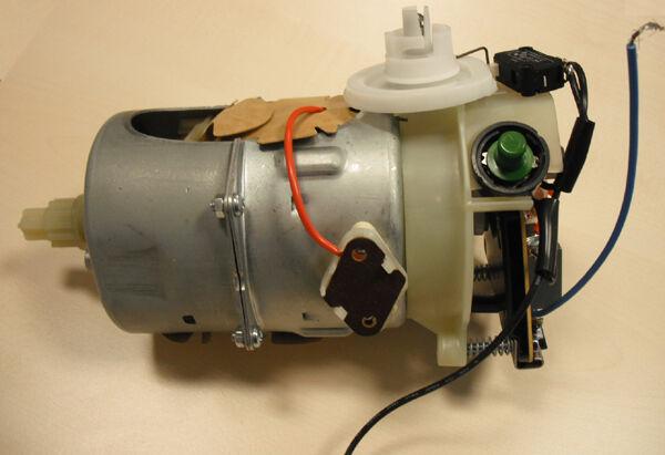DeLonghi ASSIEME MOTORE COMPLETO 120V - COPERTURA PLASTICA