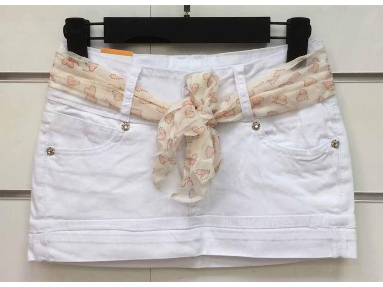 minigonna con strass e foulard