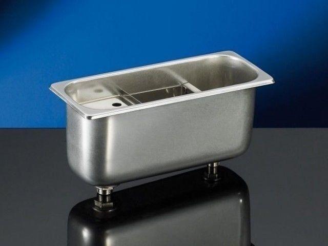 Lavaporzionatore gelateria Dotato di tubo troppo pieno Foro di scarico 2 cm Foro di carico 1,5 cm Dimensioni mm. L 265 x P 110 x 120 h Modello BGLP