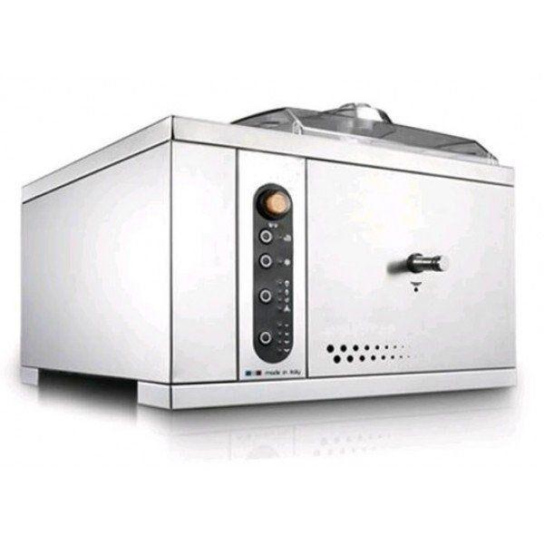 Mantecatore da appaggio per gelato NMX Condensazione ad aria Produzione oraria massima 1,25 kg in 12'/15' Dim Cm 46,5 x P 48 x h 39,5 Modello 5Ksc