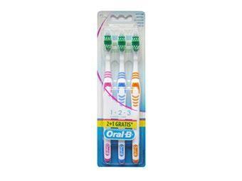 Procter & Gamble Oral B 1.2.3 Spazzolini classic care Medium (2 + 1 gratis)