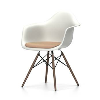 VITRA sedia poltroncina con cuscino e basamento scuro Eames Plastic Armchair DAW NUOVE DIMENSIONI (Bianco, cuscino cognac/avorio - Polipropilene [...]