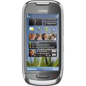 Nokia C7-00 Smartphone, schermo Touchscreen da 8,89 cm (3,5 pollici), fotocamera da 8 MP, memoria interna da 8 GB, GPS, mappe OVI, colore: Metallo
