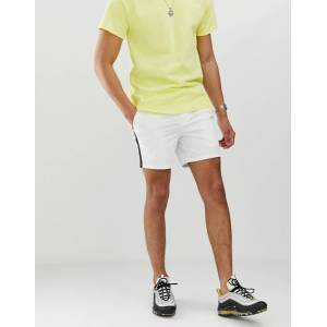 River Island chino shorts with side stripe in white