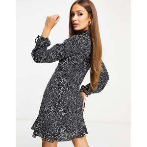 Missguided a-line dress with high neck in black leopard