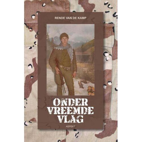Onder vreemde vlag - R. van de Kamp (ISBN: 9789059112742)