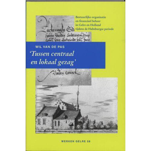 Tussen centraal en lokaal gezag - W.J.H.M. van de Pas (ISBN: 9789065508317)