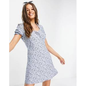 Aeropostale - Wijduitlopende jurk met pofmouwen in babyblauw  - female - Blauw - Grootte: Medium