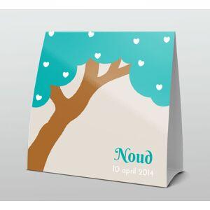 Turquoise boom met witte hartjes