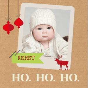 Kerstkaart met foto op karton-look achtergrond