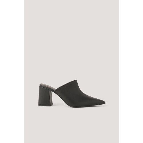 NA-KD Shoes Muiltjes Met Asymmetrische Naadlijn - Black