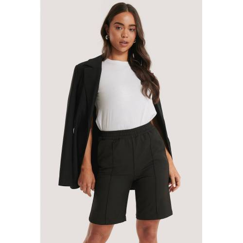 NA-KD Naadlijn Short Met Elastische Taille - Black