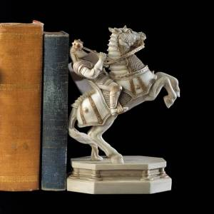 The Noble Collection Harry Potter Wizard Chess White Knight Bookend
