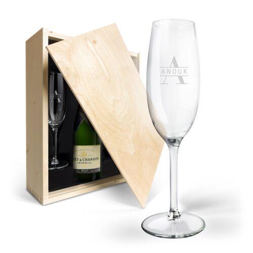 YourSurprise Champagnepakket met gegraveerde glazen - Moët & Chandon Brut