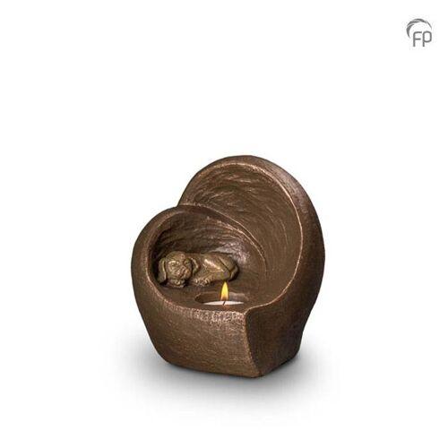 Dieren-urn van keramiek: Slapende Hond met waxine (500ml)