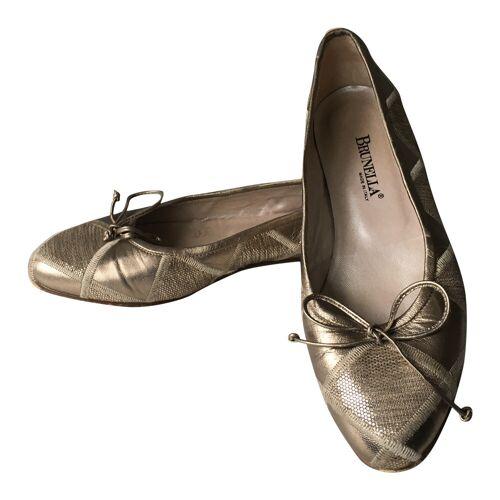 Brunella Platte schoenen Brunella Goud 39