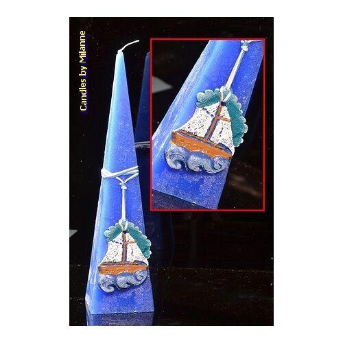 Designkaarsen com Zee kaars, BLAUW, met vissersboot, piramide 30 cm - kaarsen