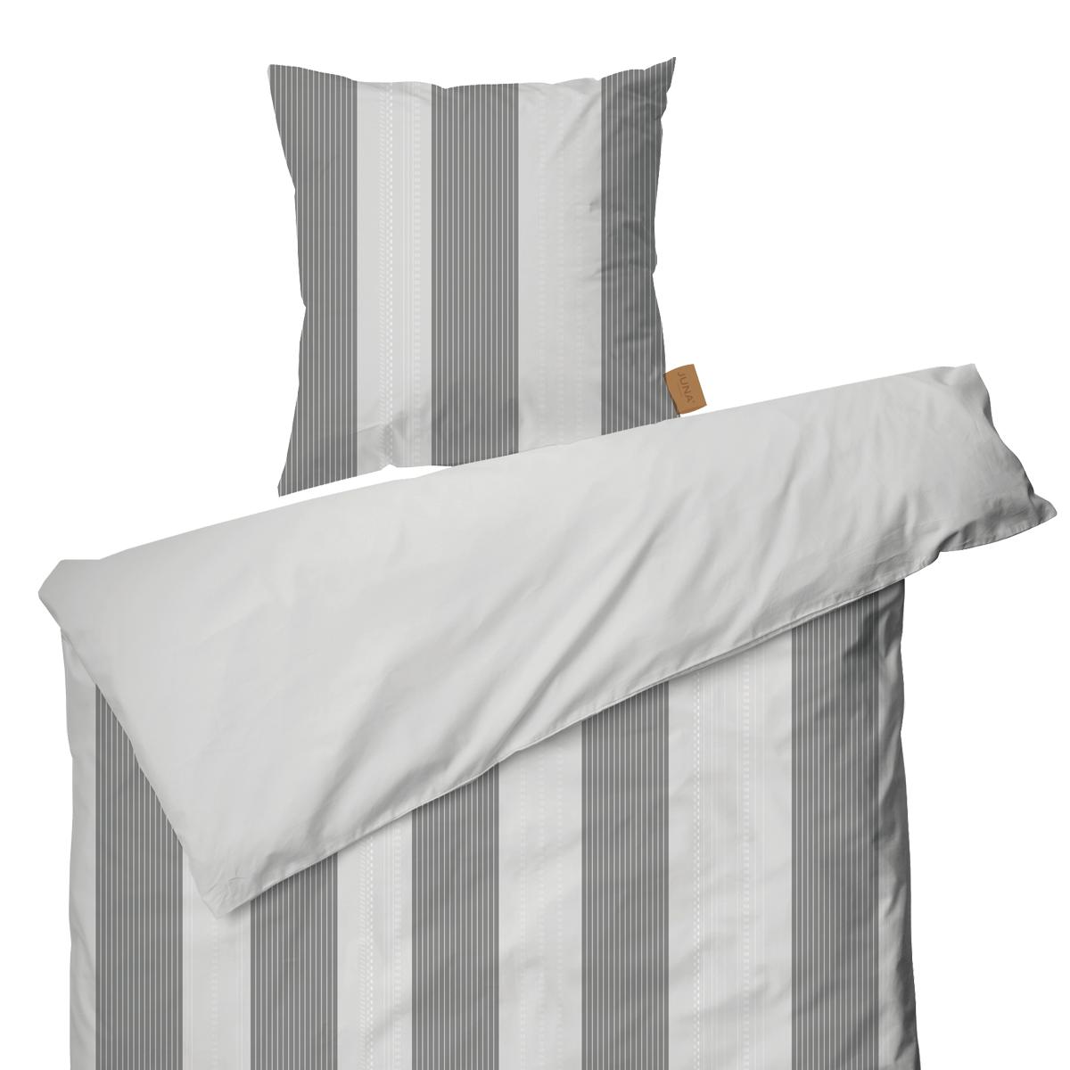 Juna Folded Stripes Sengetøy hvit 140x220 cm  pute 50x70cm