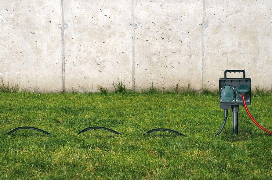 BRENNENSTUHL Utomhusgrenuttag, 2xCEE 7/4, 1x CEE 7/7, 1,5m kabel, IP44, svart/grön