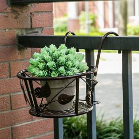 Newchic Iron Art Hanging Baskets Flower Pot Holder for Patio Balcony Porch Fence