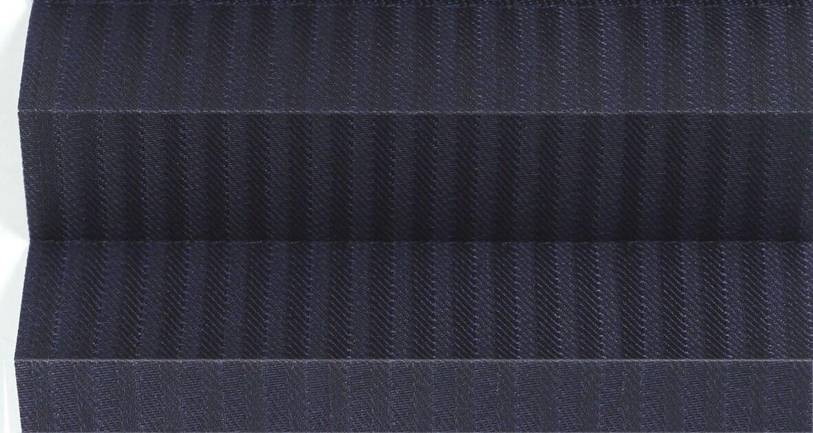 AB Plissegardin Lux Betjenes Med Håndtak. Mønstret Tekstil