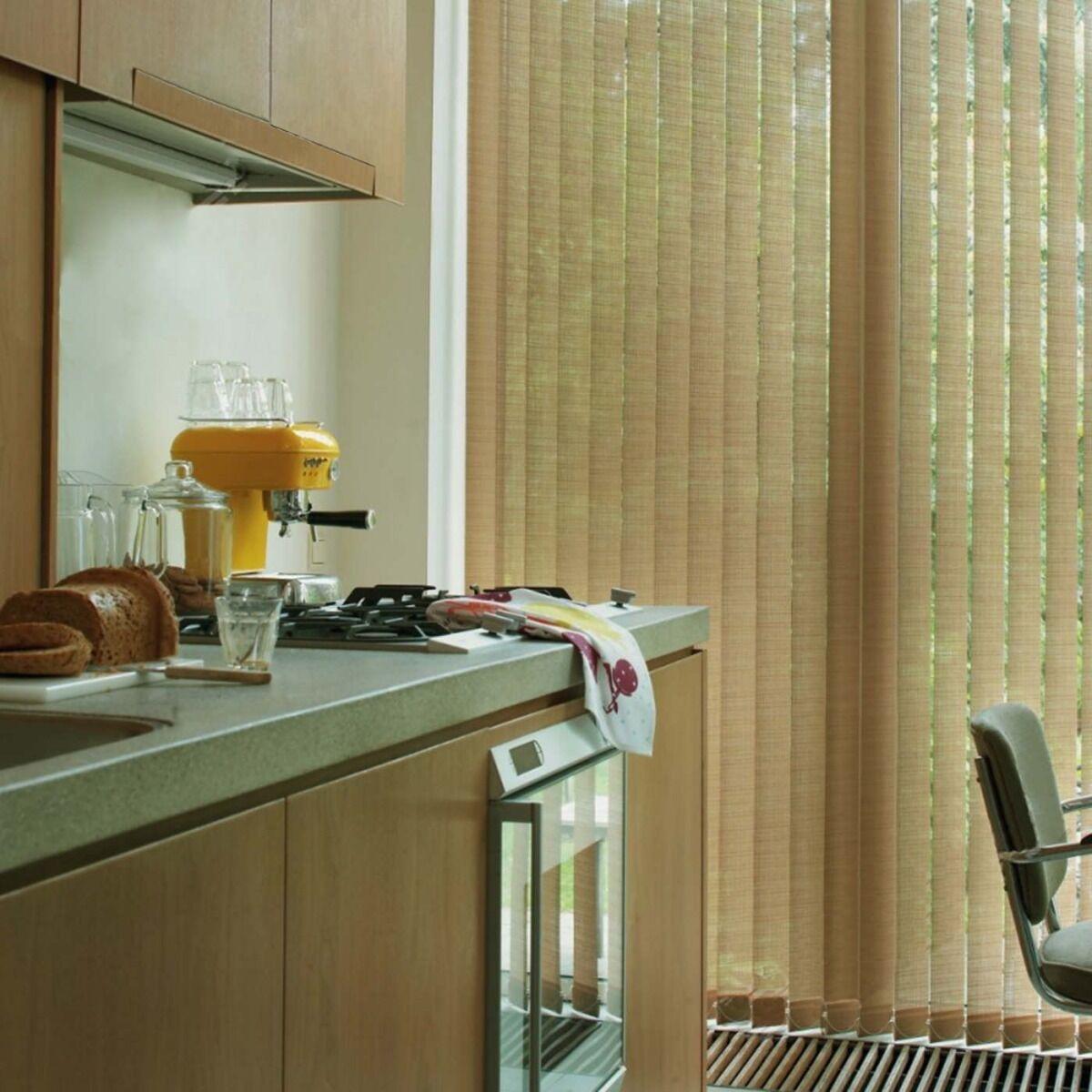VRT Lamell Med Halv Transparent Tekstil