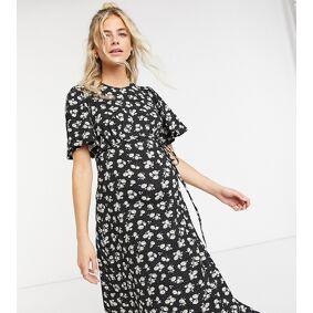 New Look Maternity flutter sleeve midi dress in black pattern  Black