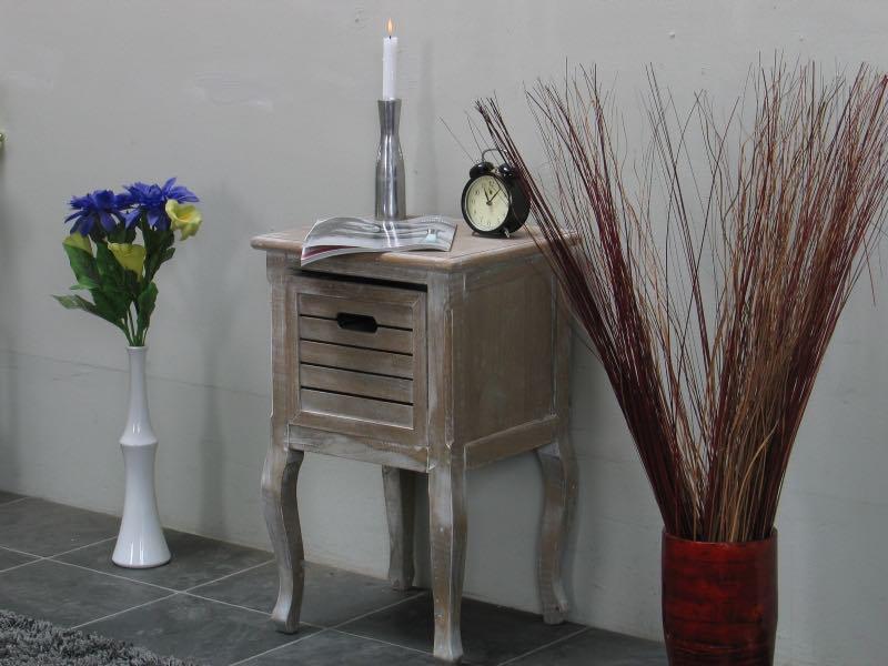 Madrid nattbord med 1 skuff, bredde 40 cm, høyde 65 cm white wash.