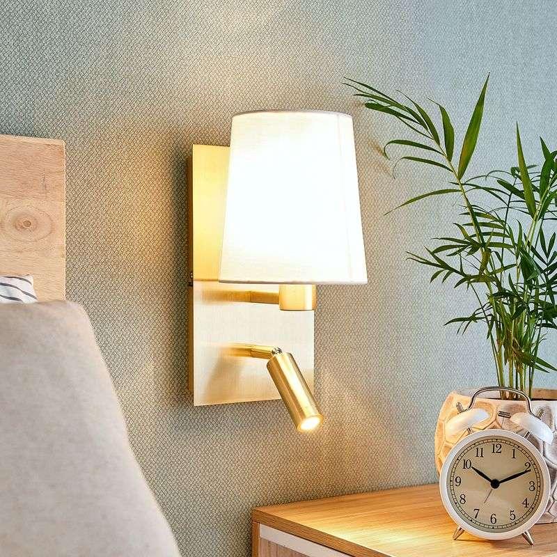 Lampenwelt.com Vegglampe Aiden med LED-leselys, hvit, messing