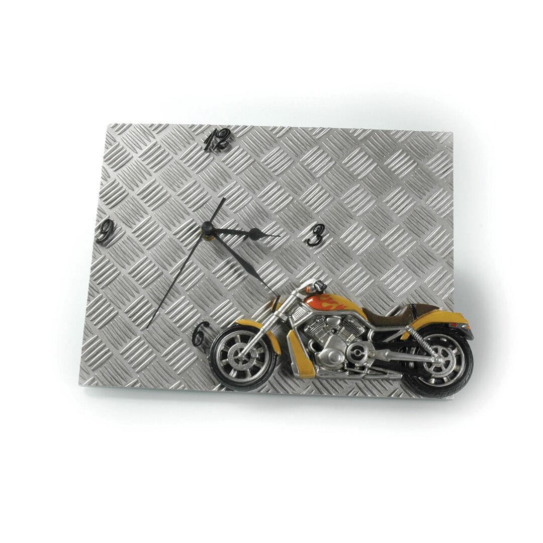 Booster Wall Clock Metal (30,5 x 5 x 23,5 cm)