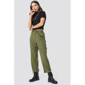 Astrid Olsen x NA-KD Drawstring Suit Pants - Green