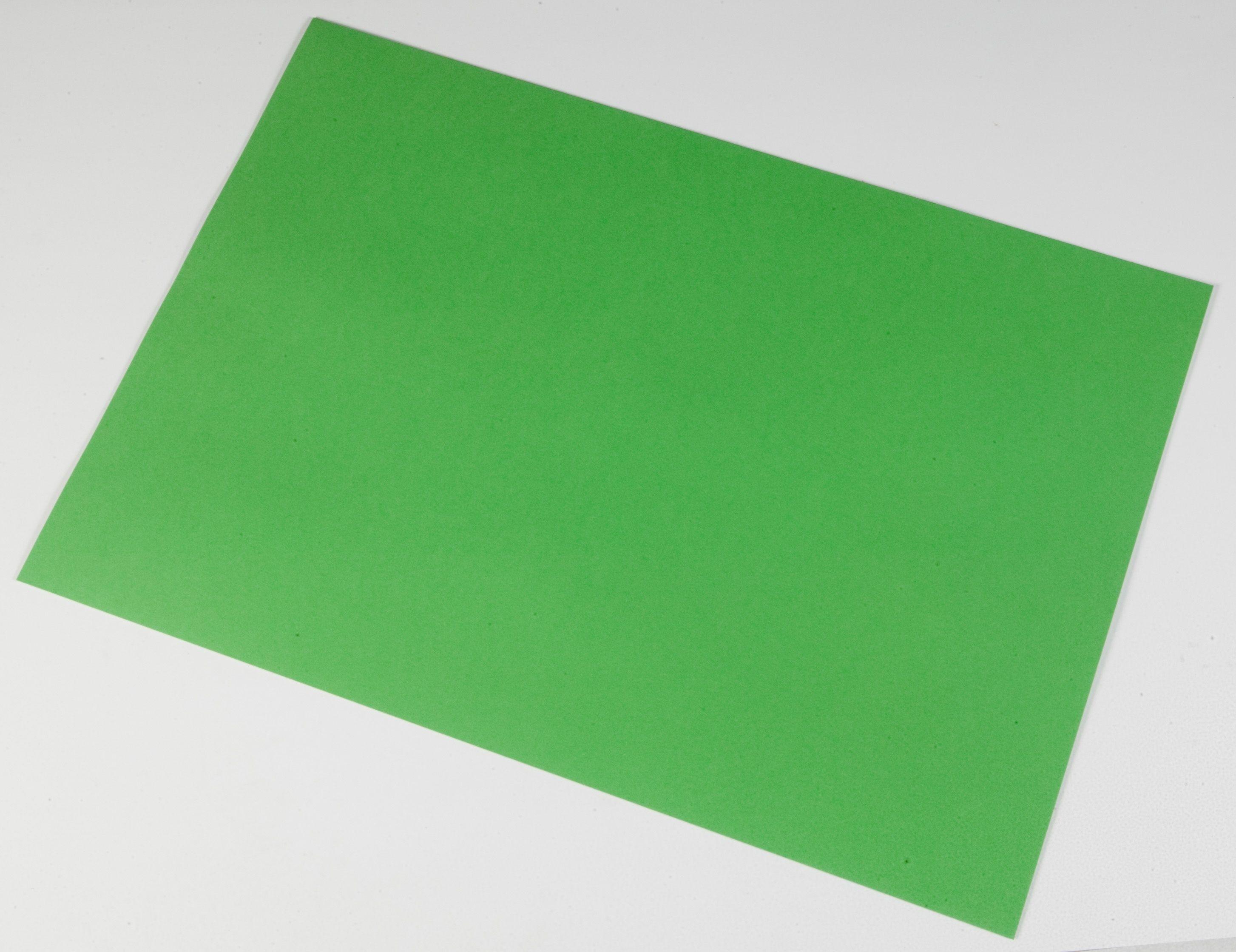 112018  Dekorasjonskartong 46x64cm lysegrønn