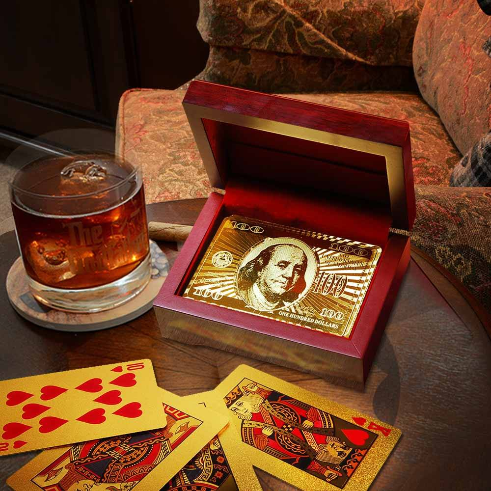 Korstokk i gull med Gaveboks i tre Spillekort i gull med eksklusiv treboks