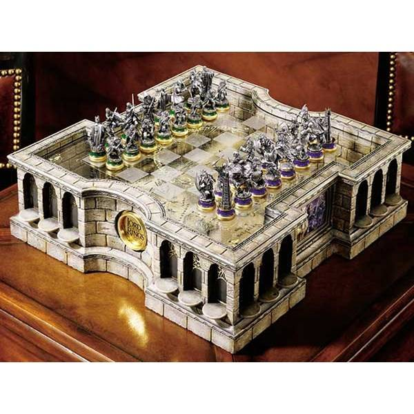 The Lord of the Rings Collectors Chess Set (Z000107091)