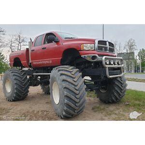 Jazda Monster Truckiem na lsku