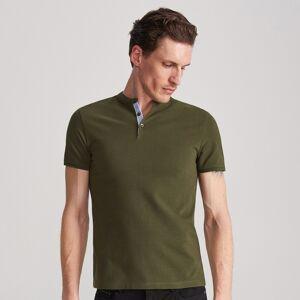 Reserved - Polo slim fit ze stójką - Zielony
