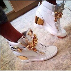 Mulheres quentes Altura Crescente Sapatos Da Marca Lace-Up High Sneakers Top Quality cadeia de Metal Feminino Tornozelo Cunhas Casuais Sapatos Zapato