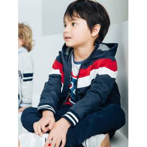 Blusão com capuz efeito color block, para menino azul escuro liso com motivo