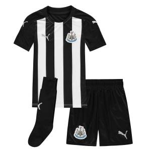 Puma Kids Newcastle United Home Mini Kit 2020 2021 Fotbollsträning Svart/vit 3-4 Years