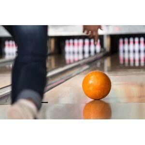 Spela bowling
