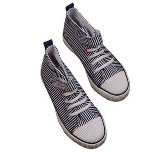 Fly sneaker