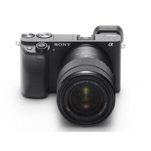 Sony A6400 med E 18-135mm f/3,5-5,6 OSS