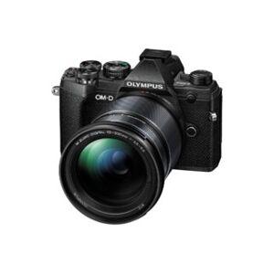 Olympus OM-D E-M5 Mark III svart + M.Zuiko ED 12-200mm f/3,5-6,3 svart