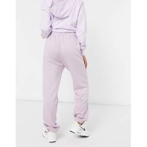 Nike – Lila mjukisbyxor i oversize med liten Swoosh-logga i metallic XL