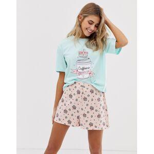 """ASOS DESIGN – Pyjamasset med shorts """"Caffeine Queen""""-Flerfärgad"""