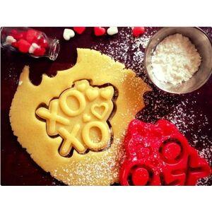 "MakeIT XOXO"" Cookie Cutter (Valentine's Day Collection)"