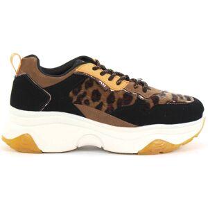 Xti Sneakers 49277 svart/leo