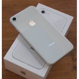 Apple iPhone 8 64GB silver (beg) ( Klass C )