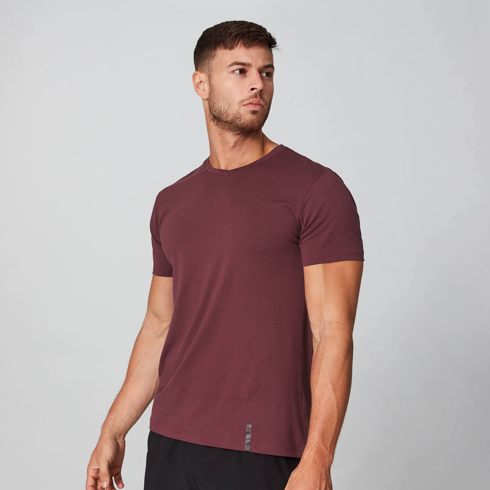 Myprotein Luxe Classic V-Neck T-Shirt - Oxblood - S